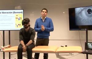 Rodrigo Castillejos impartiendo una formación con la demostración de un caso